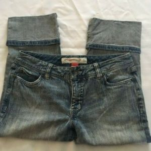 MOSSIMO DENIM VINTAGE CROPPED/CAPRI CUFFED JEANS